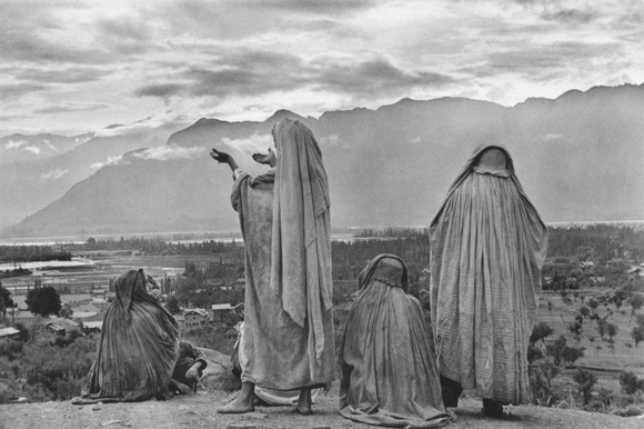 bresson_srinigar_women